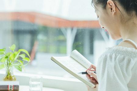中国社会科学院研究生院高级课程班学费